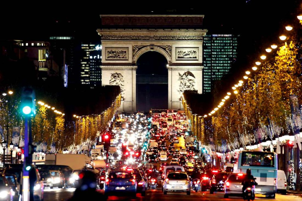 12-12-paris-tour-xmas-orig_orig