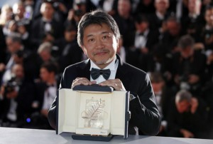 epa06751085 Hirokazu Kore-Eda poses during the Award Winners photocall after he won the Palm d'Or (Golden Palm) Prize for Shoplifters (Manbiki Kazoku) at the 71st annual Cannes Film Festival in Cannes, France, 19 May 2018. EPA-EFE/FRANCK ROBICHON